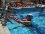 piscina tuffi