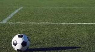 campo calcio e pallone