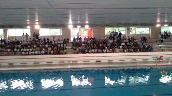 piscina muggi tifosi