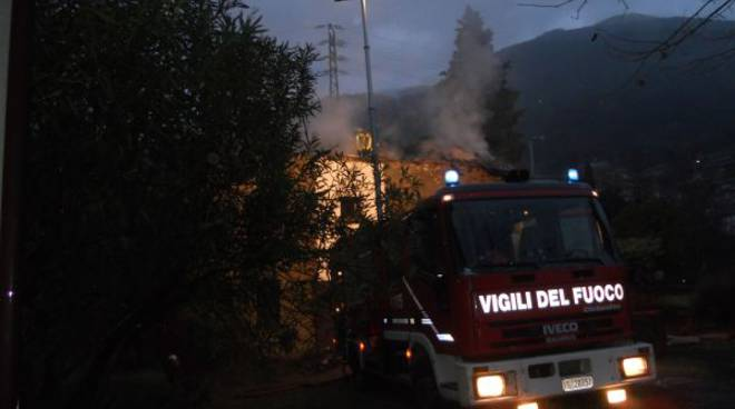 incendio tetto pianello