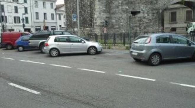 parcheggio viale lecco