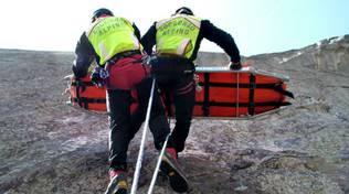 soccorso alpino su roccia