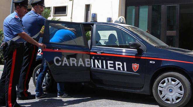 Carabinieri_arresto