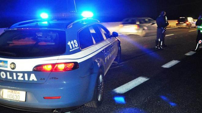 auto polizia notte