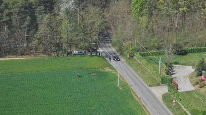 carabinieri nei campi parco pineta