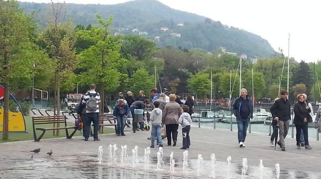gente su passeggiata