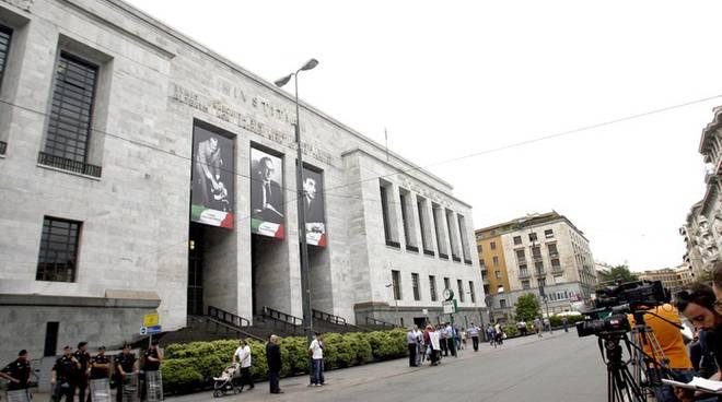 MILLS: PROCESSO RINVIATO DI UN MESE, SALTANO 4 UDIENZE