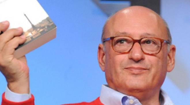 """Piero Dorfles, critico letterario, giornalista radiotelevisivo, autore """"Il ritorno del dinosauro. Una difesa della cultura"""""""