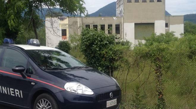 carabinieri erba edificio abbandonato
