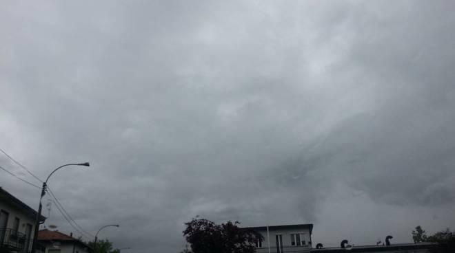 cielo nuvole maltempo