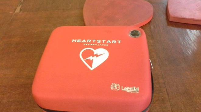 defibrillatore scatola