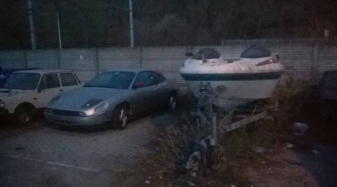 deposito illegale auto cantu' asnago