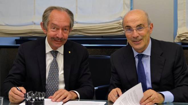 Foto firma Accordo Banco Popolare