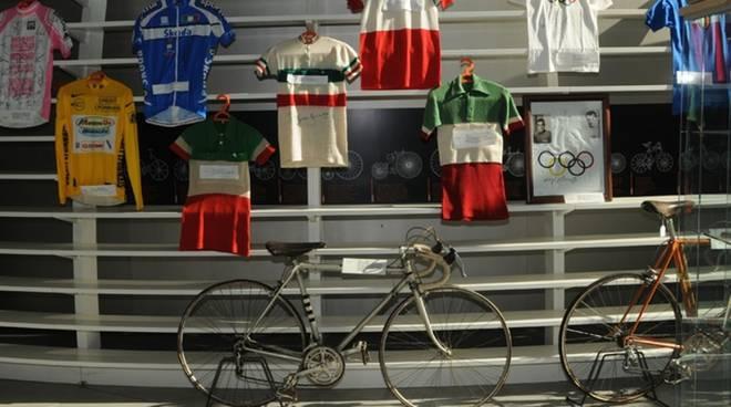 museo ghisallo bici e maglie