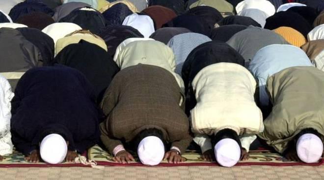 musulmani_in_preghiera ramadan