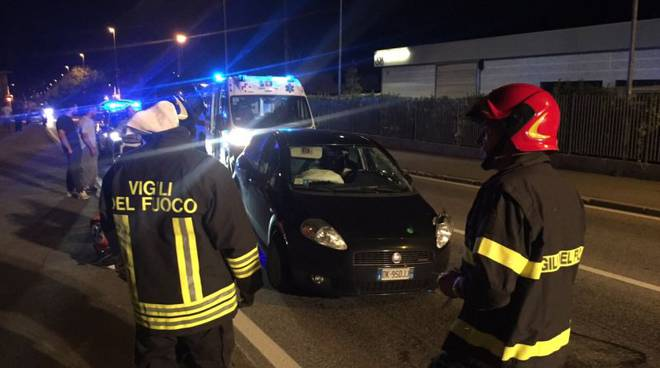 pompieri e ambulanza incidente via canturina