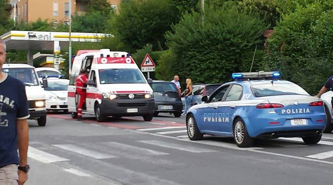 Mariano Comense, grave poliziotto di Lecco investito da pusher marocchino