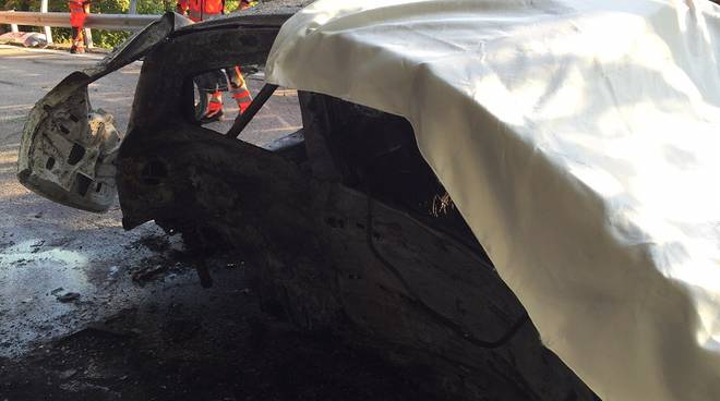 auto bruciata rally porlezza