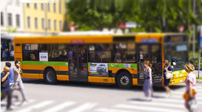 La scuola inizia con lo sciopero dei bus