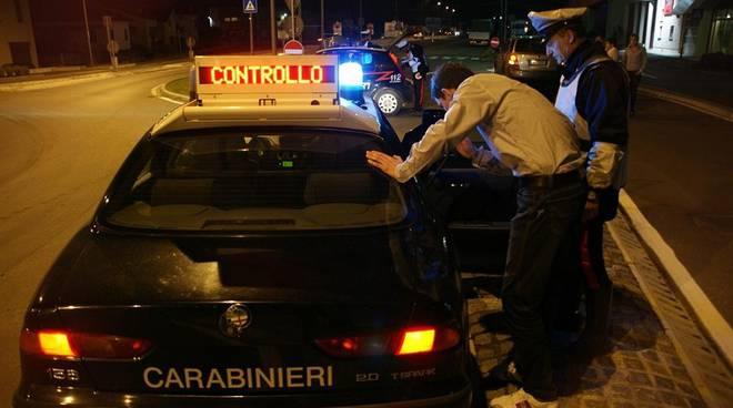 carabinieri etilometro notte
