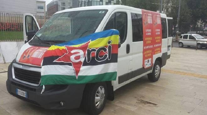 furgone carovana antimafie