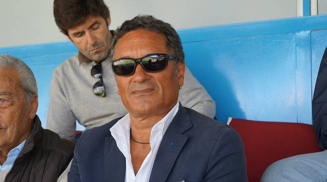 gentile in tribuna