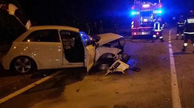 auto distrutta incidente menaggio