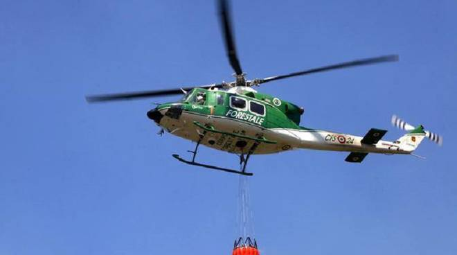 elicottero forestale cestello