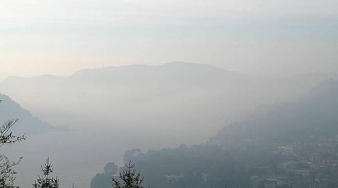 nebbia su como