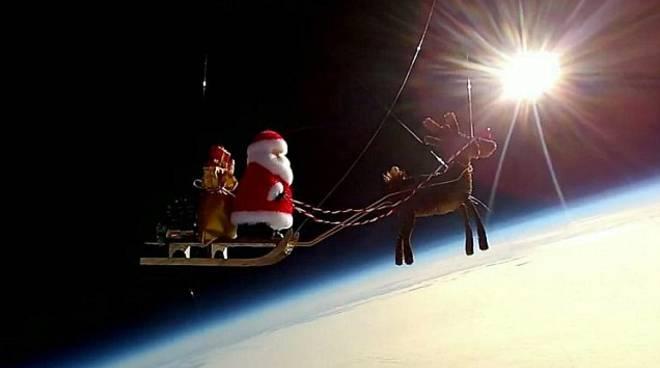 babbo natale nello spazio