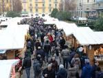 gente mercatino dei balocchi piazza