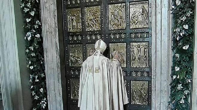 papa e porta santa
