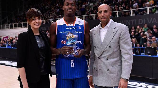 abass premiato all star