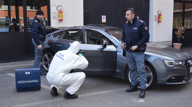 auto sequestrata questura como