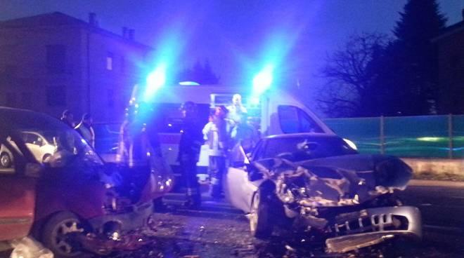 incidente albese frontale auto