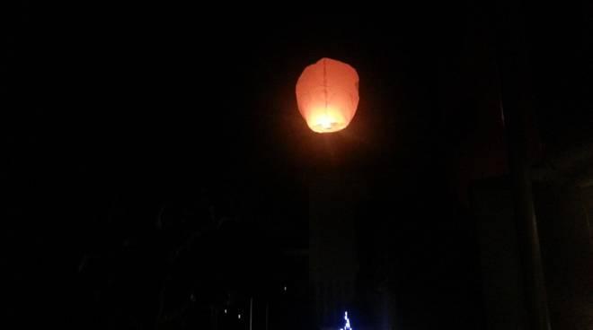 lanterna in cielo