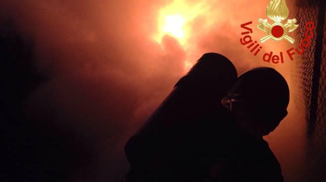 pompieri generica fuoco notte