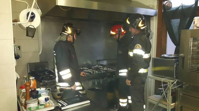 pompieri in cucina baita grandola