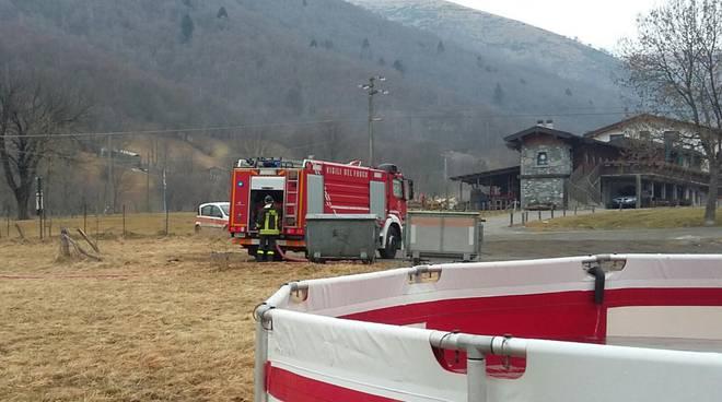 rifornimento serbatoio pompieri al tivano