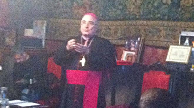 vescovo giornalisti1