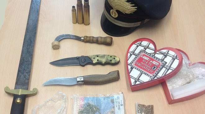 armi sequestrate  carabinieri schignano