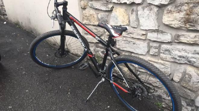 bicicletta rubata como