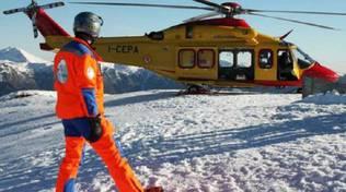 elicottero su neve slavina madesimo