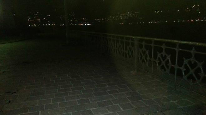 ringhiera tempio voltiano notte