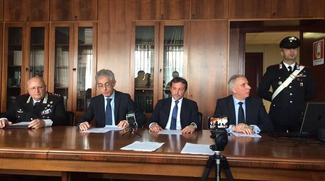 conferenza stampa carabinieri killer carugo