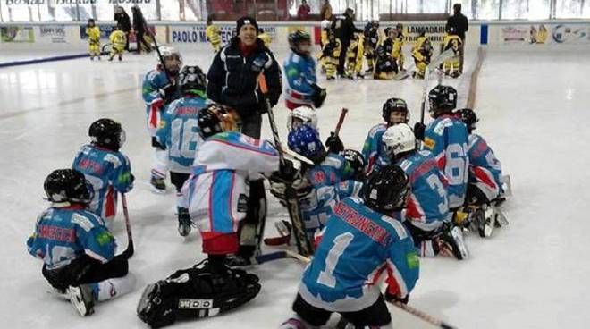 ragazzini hockey como