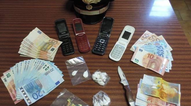 telefoni e droga sequestro carabinieri