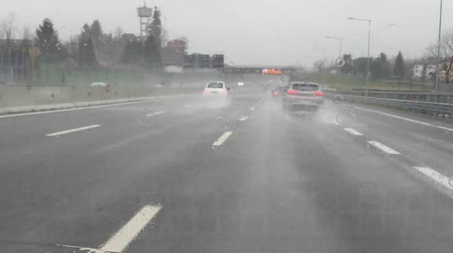 visibilità ridotta per pioggia a9