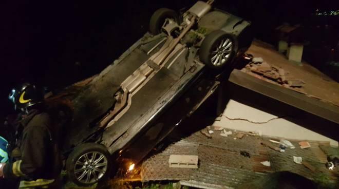 auto contro tetto a cremia