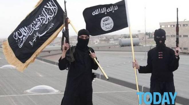 jihadisti con volto coperto